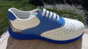 Azzurro: italienischer Blau-Himmel