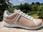 Birgit: Sneakers Form mit Deko-Element