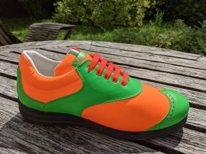 Vale, orange-grün