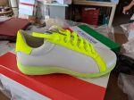 Neongelb-Weiß Sneakers-Form